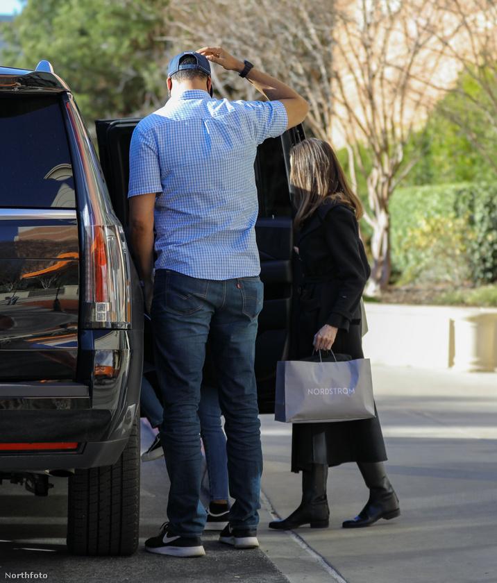 Ezzel búcsúzunk is Jolie-éktól, és öntől is