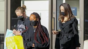 Angelina Jolie jól bevásárolt a gyerekeivel