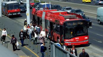 Eltűnnek a dízelbuszok a Bajcsy-Zsilinszky útról és a Baross utcából