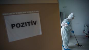 Több mint ötven egészségügyi dolgozó életét követelte a koronavírus