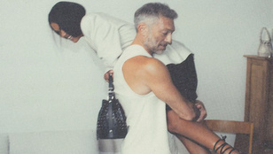 Vincent Cassel a vállára kapta a feleségét