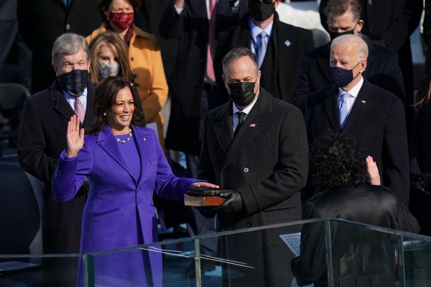 elnöki-beiktatás-lila4