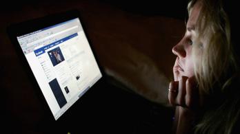 A fiatalok már főként csak a közösségi médiából tájékozódnak