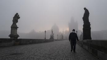 Nem javul a járványhelyzet, tovább hosszabbítanák a szükségállapotot a csehek