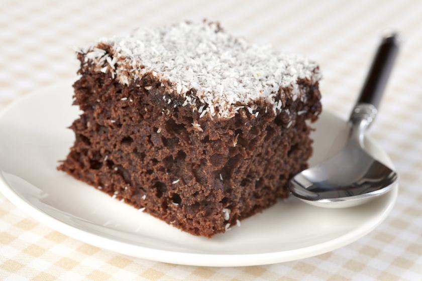 Csokis, kókuszos kevert süti: a kefirtől lesz pillekönnyű a tészta