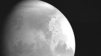 Képeket küldött a Marsról a kínai szonda