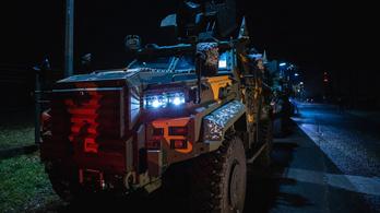 Megérkeztek Tatára az új páncélozott harcjárművek