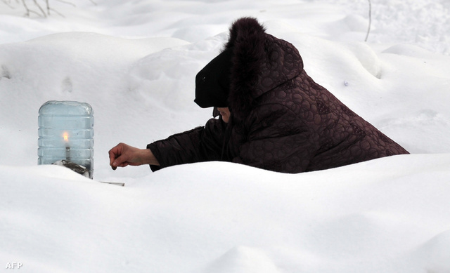 Hajléktalan nő Kievben
