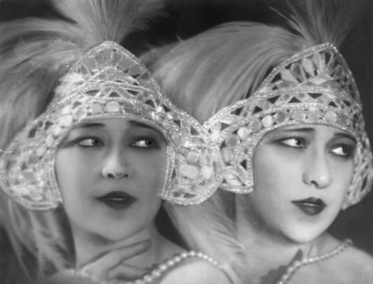 dolly-sisters-1