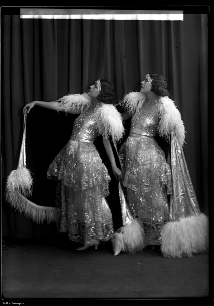 dolly-sisters5