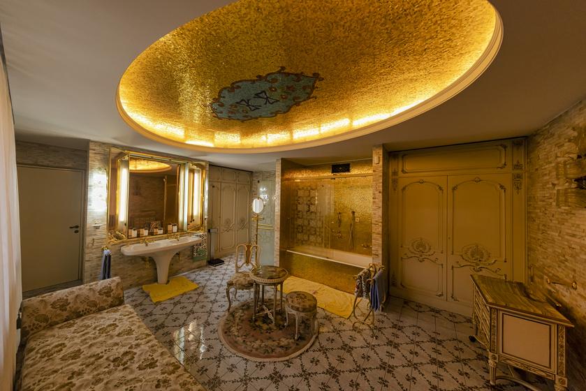 Elképesztően fényűző Ceaușescu bukaresti palotája: még a fürdőszoba is leírhatatlan luxusról tanúskodik