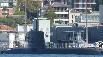 Karambolozott egy tengeralattjáró, a legénység telefonon kért segítséget