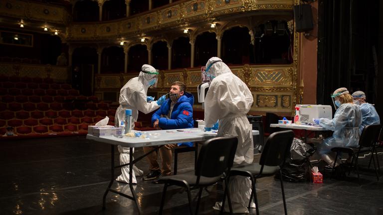 Totális tesztelés és széteső kormányzás Szlovákiában