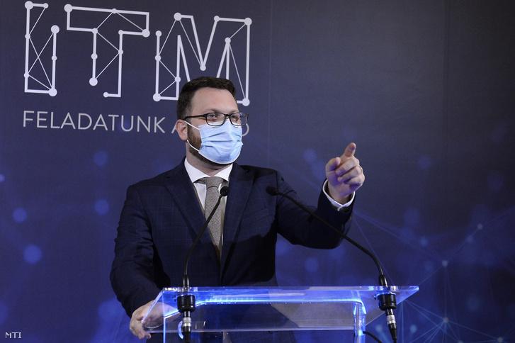 Schanda Tamás, az Innovációs és Technológiai Minisztérium (ITM) parlamenti és stratégiai államtitkára