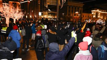 Növelte az orosz parlament a demonstrációk résztvevőire kiszabható pénzbírságot