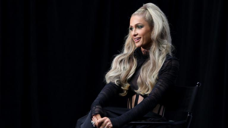 Internátusban verték meg és drogozták be Paris Hiltont