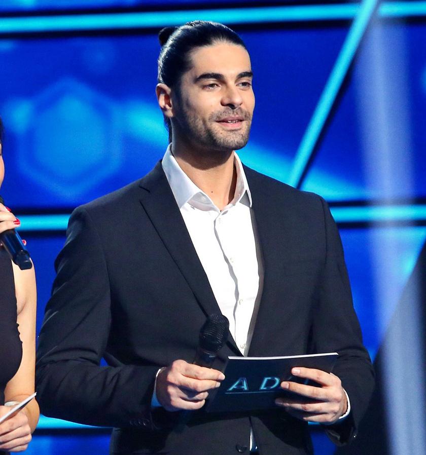 Freddie A Dal 2021 műsorvezetőjeként az első válogatóban.