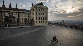 Szigorítanak Csehországban a súlyos járványhelyzet miatt