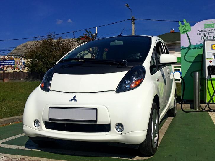 Mitsubishi i-MiEV, 2012, 22000 km