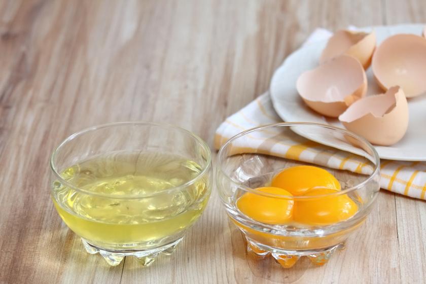 Tökéletesen elkülönül a fehérje és a sárgája, ha így választod szét: 3 szuper praktika a konyhába