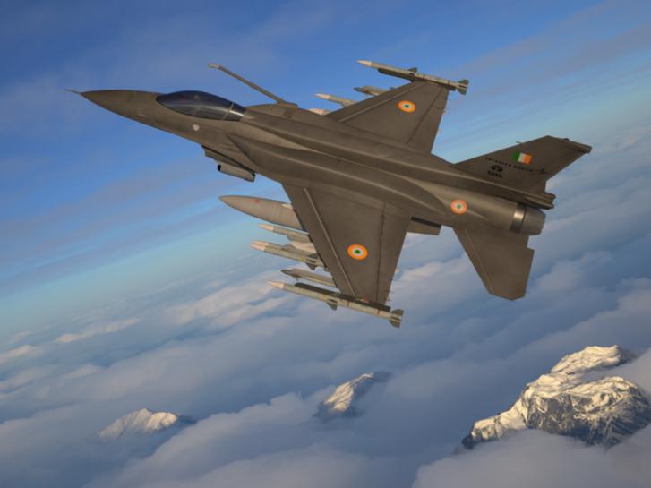 F–21 indiai felségjelzéssel. Látható a számos eltérés az eredeti F–16-oshoz képest