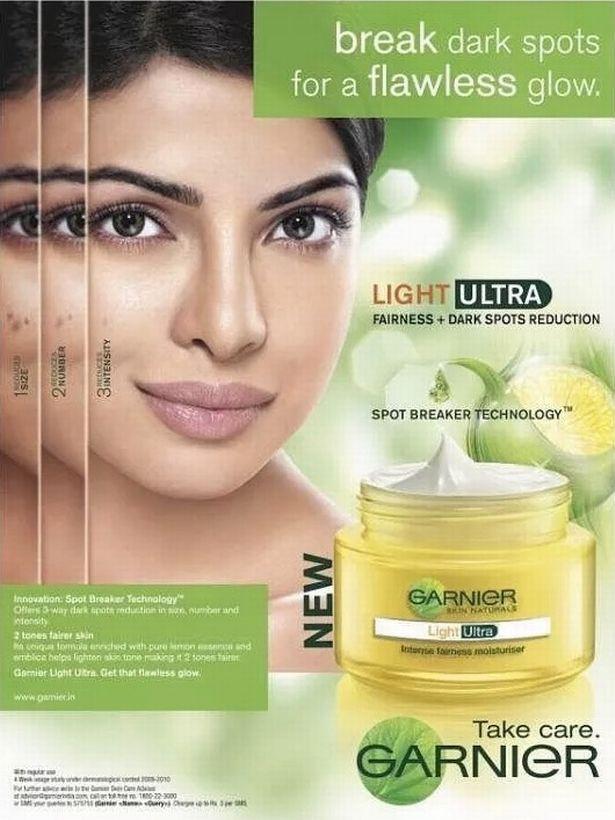 Egy bőrvilágosító krém reklámja Priyanka Choprával. A színésznő most elnézést kért ezekért a hirdetésekért.