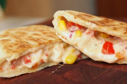 Isteni töltött tortilla, avagy pupusa: a puha tésztát szinte bármivel megtöltheted