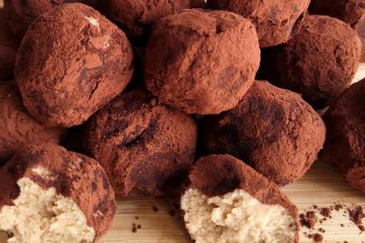 Villámgyors, pár hozzávalós tiramisugolyó – Az olasz édesség egyszerűbb formában is mennyei