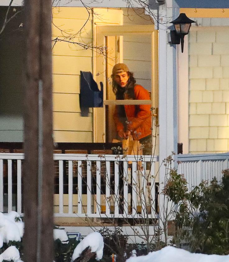 A jelenetet mindenesetre Bostonban vették fel február 10-én, azaz szerdán.