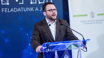 Schanda Tamás: Varga László meghatározó alakja volt a sorsfordító időknek