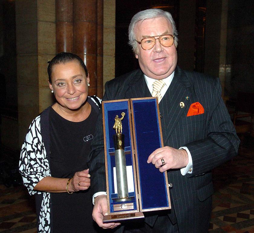 Gálvölgyi János és felesége több mint ötven éve boldogok, 1971-ben kötöttek házasságot. Judit természetesen a Kossuth-díj átvételére is elkísérte a színészt 2005. március 15-én.