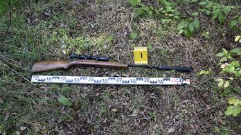 Csőre töltött fegyverrel fenyegette az orvvadász az erdészt