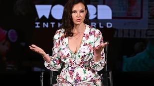 Ashley Judd súlyos balesetet szenvedett Kongóban, négy helyen eltört a lába