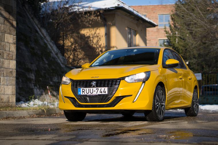 Nemrég Év Autója volt, és amúgy is pofás kisautó a Peugeot 208