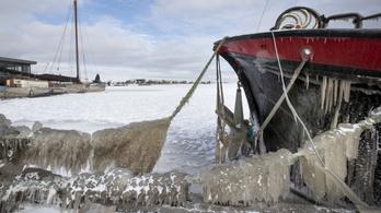 Extrém hideg és hó sújtja az északi féltekét