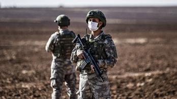 Tizenhárom túsz holttestét találta meg a török katonaság