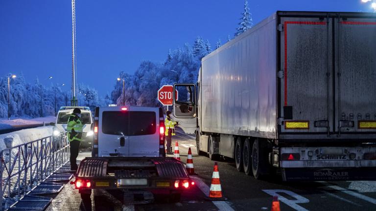 Pozsony kamionosok tesztje miatt tiltakozik Berlinnél