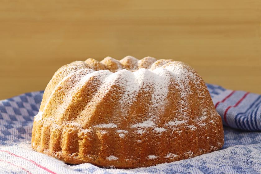 Egyszerű almás kuglóf a nagyi receptes füzetéből: abbahagyhatatlanul finom