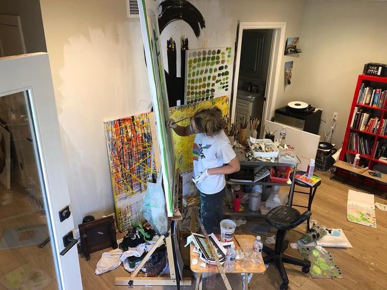 A 30 éves Chaikinnek 2018 tavaszán volt kiállítása,de a műveit az ennek szentelt oldalán meg lehet nézni, esetenként rendelni.