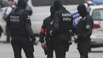Panaszolja a brüsszeli orgia szervezője, hogy a razzia nem kímélte a bútorait