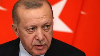 Erdogan szerint terrorszervezetet támogat az Egyesült Államok