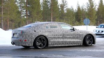 Mégsem készül el a Jaguar új csúcsmodellje