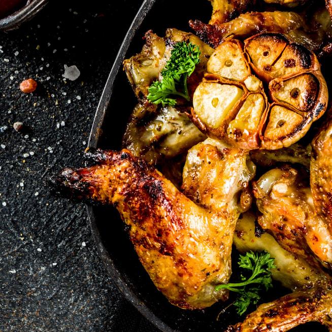 Ropogósra sült csirkeszárnyak citromborsos olívaolajba forgatva – Gyors megoldás hétköznapokra