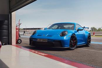 Szívómotoros élményautó marad a Porsche 911 GT3