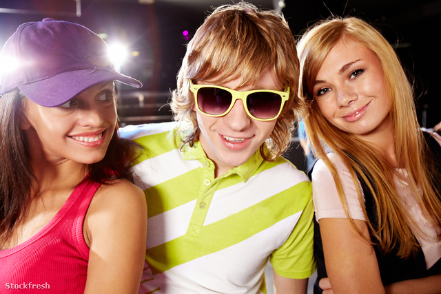 stockfresh 1088850 guy-with-girls sizeM