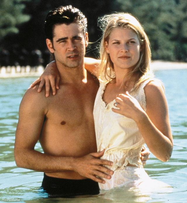 Még egy hollywoodi sztár, akiből sosem elég: Colin Farrell egy medencében Ali Larterrel