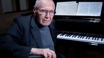 Ingyenes online koncerttel köszöntik a 95 éves Kurtág Györgyöt