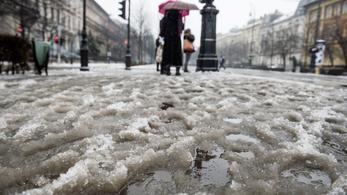 Jön az ónos eső, fél Magyarországra kiadták a figyelmeztetést