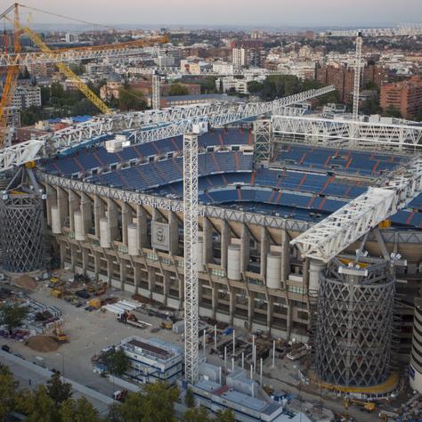 A Bernabéu-stadion felújítása közel egy éve zajlik