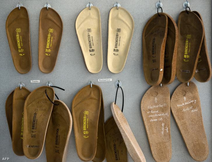Birkenstock cipők gyártáshoz szükséges alkatrészek 2016. május 10-én.